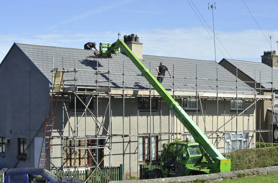 Tips to Hire the Right Roofing Contractor